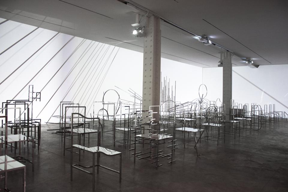 50 Manga Chairs nendo: 50 manga chairs...